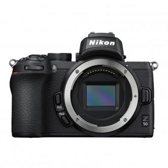 Nikon Z 50 Z med Mount Adapter FTZ