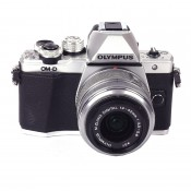 Olympus OM-D E-M10 ll m/14-42mm l l R