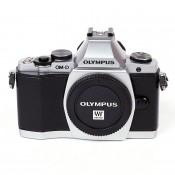Olympus OM-D E-M5 hus