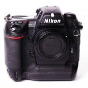 Nikon D2x hus