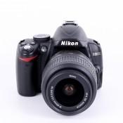 Nikon D3000 + Nikkor AF-S 18-55mm f/3.5-5.6 IS
